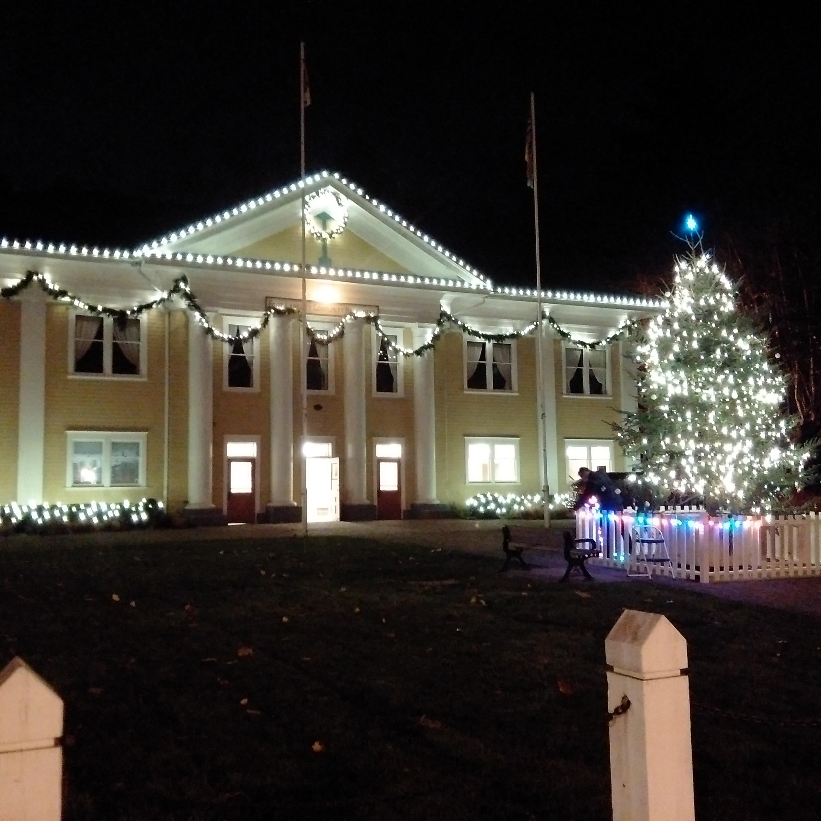 fort-langley-community-hall-christmas-lights & Fort Langley Tree Lighting - Fort Langley Community Association azcodes.com